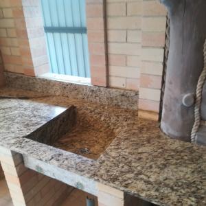 Столешница+раковина 20 мм. гранит Giallo Ornamental (Бразилия).